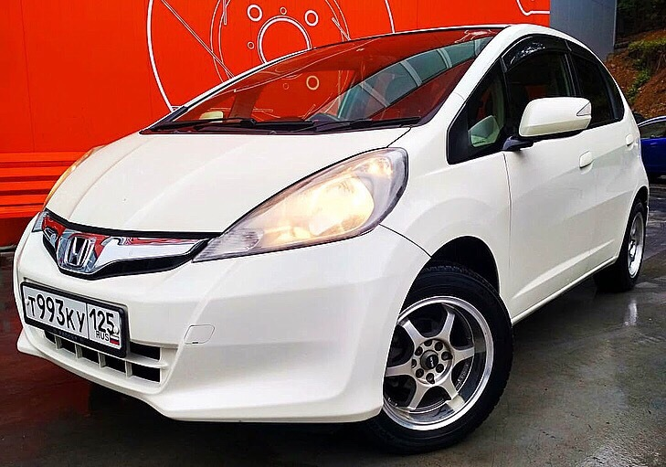 "<span style=""font-weight: bold;"">HONDA&nbsp;Fit</span><br>"