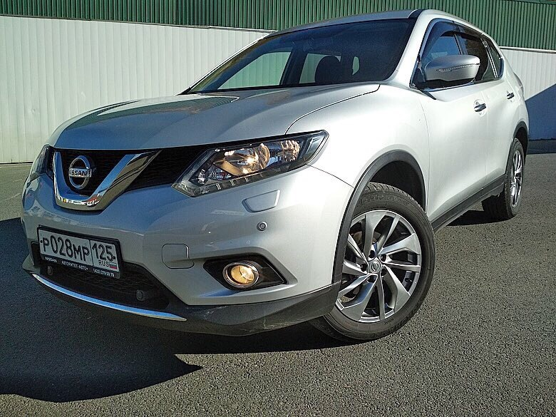 "<span style=""font-weight: bold;"">NISSAN X-TRAIL</span>"